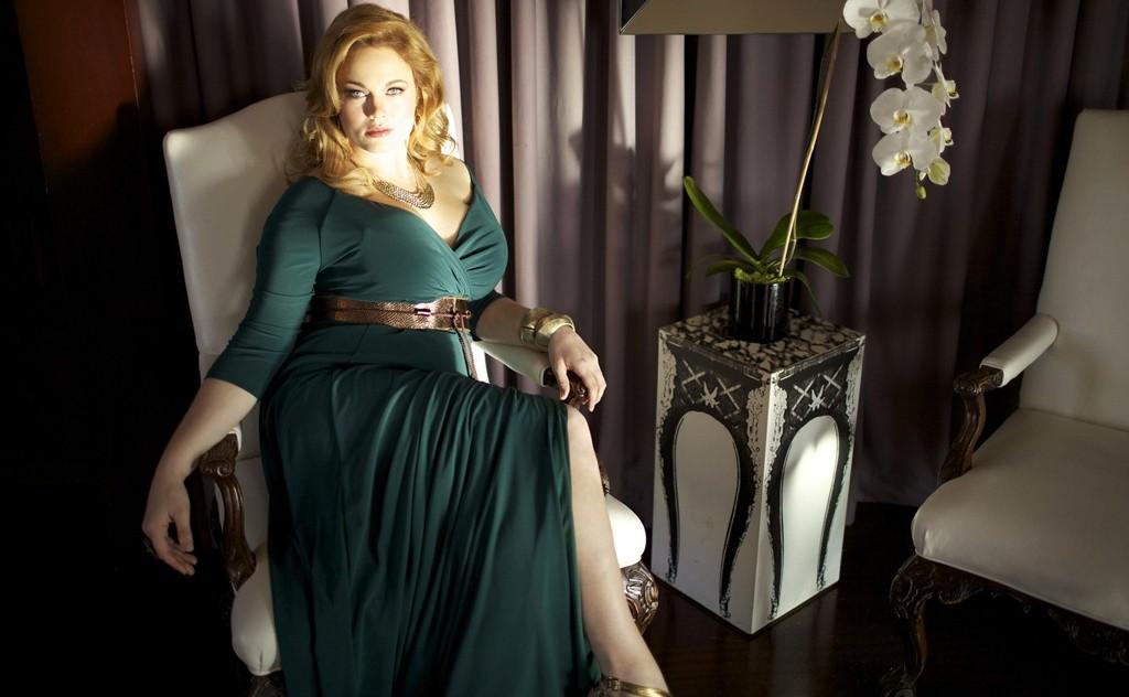 Советы по выбору платьев больших размеров