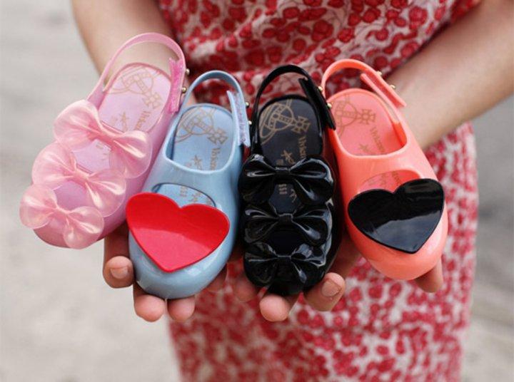 Как выбрать туфли девочке