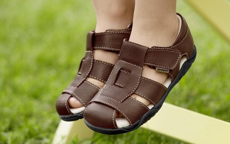 Выбираем сандали для первых шагов