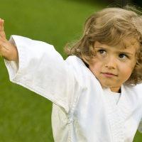 В помощь новичкам: как выбрать кимоно для рукопашного боя