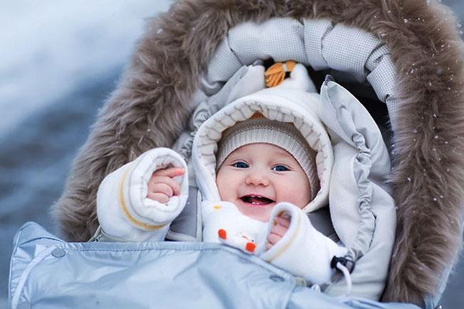 Комбинезон новорожденному