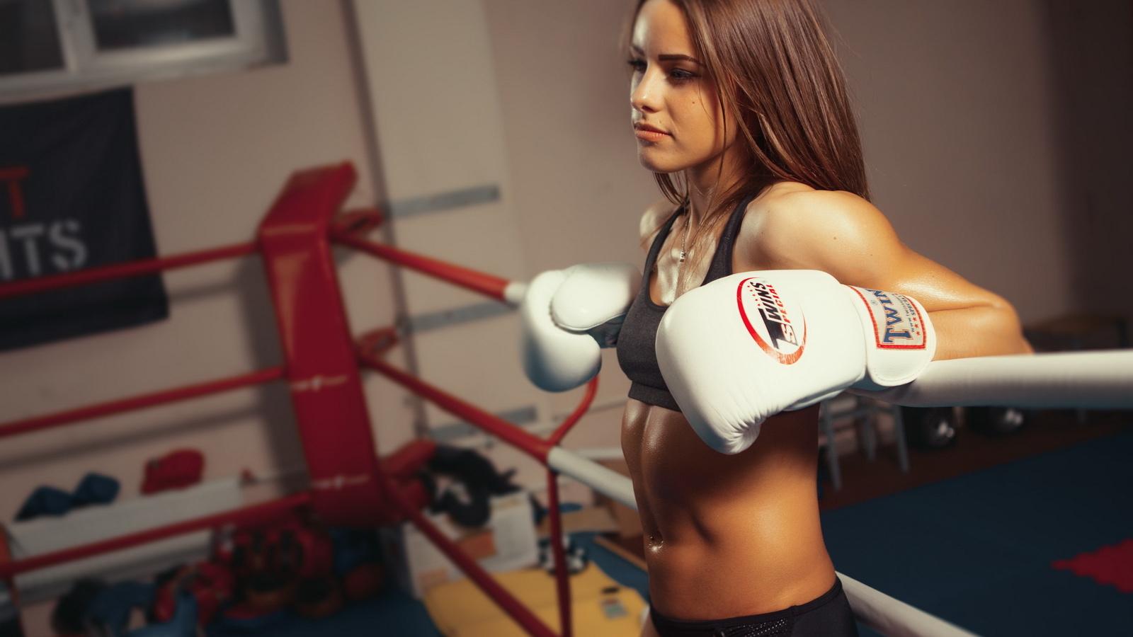 Выбрать боксерские перчатки по размеру