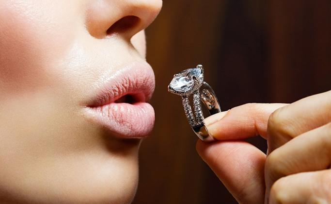 выбор бриллиантового кольца