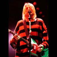 Красно-черный свитер Курта Кобейна: фото, история, где купить