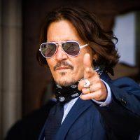 Безупречный стиль в мелочах: подбираем очки как у Джонни Деппа